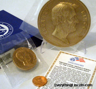 "2009 Abraham Lincoln 3"" and 1-5/16"" bronze medals"